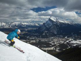http://www.toursaltitude.com/wp-content/uploads/2014/07/2013-Ski-Norquay-Zizka-4-280x210.jpg