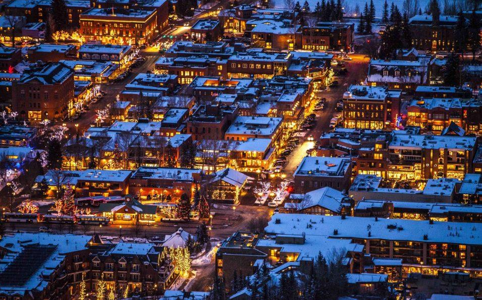 http://www.toursaltitude.com/wp-content/uploads/2014/07/Aspen-Snowmass-6-955x595.jpg