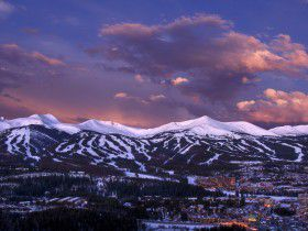 http://www.toursaltitude.com/wp-content/uploads/2014/07/Breckenridge-JeffAndrew-Breck-8-280x210.jpg