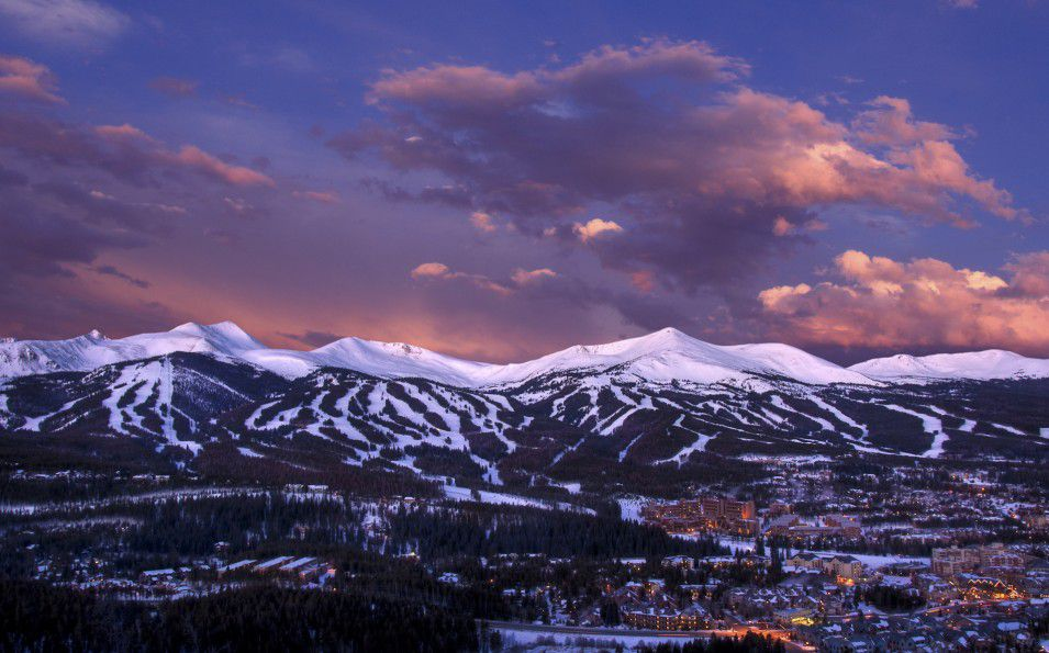 http://www.toursaltitude.com/wp-content/uploads/2014/07/Breckenridge-JeffAndrew-Breck-8-955x595.jpg