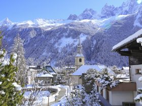 http://www.toursaltitude.com/wp-content/uploads/2014/07/Chamonix-City-Winter-®Monica-Dalmasso-280x210.jpg