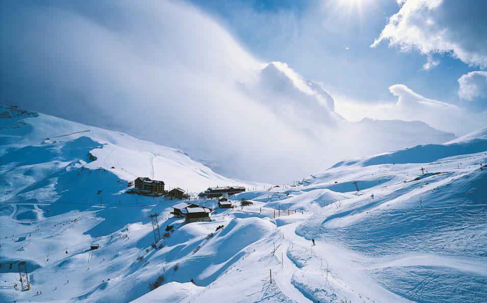 http://www.toursaltitude.com/wp-content/uploads/2014/07/Grindelwald-Wengen-31-955x595.jpg