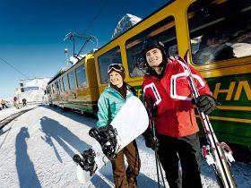 http://www.toursaltitude.com/wp-content/uploads/2014/07/Grindelwald-Wengen-5-280x210.jpg