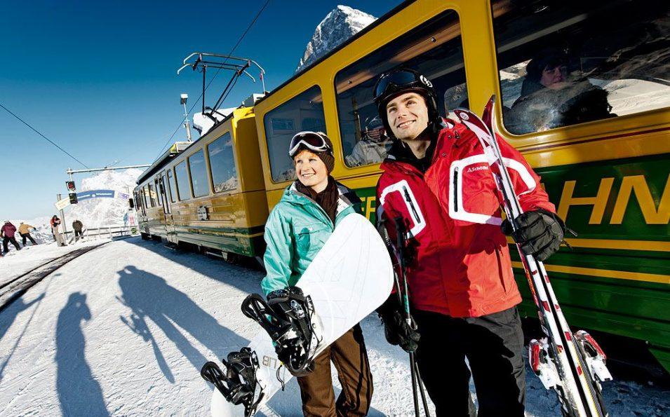 http://www.toursaltitude.com/wp-content/uploads/2014/07/Grindelwald-Wengen-5-955x595.jpg
