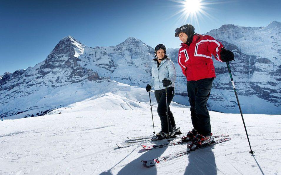 http://www.toursaltitude.com/wp-content/uploads/2014/07/Grindelwald-Wengen-6-955x595.jpg
