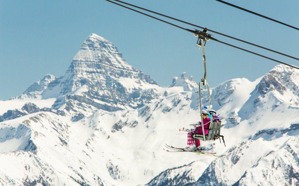 http://www.toursaltitude.com/wp-content/uploads/2014/07/Ski-SunshineVillage-Zizka-8-955x595.jpg