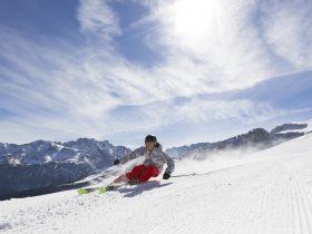 http://www.toursaltitude.com/wp-content/uploads/2014/07/garmisch-classic_ski-board_52_farys-280x210.jpg