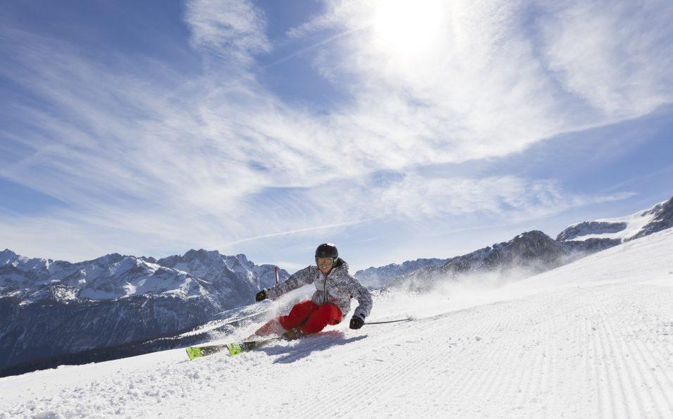 http://www.toursaltitude.com/wp-content/uploads/2014/07/garmisch-classic_ski-board_52_farys-955x595.jpg