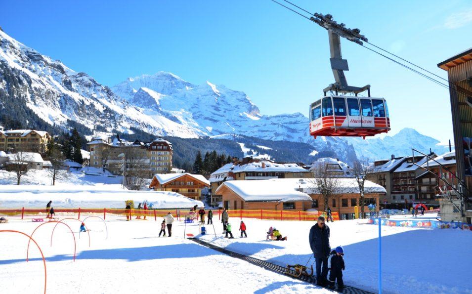 http://www.toursaltitude.com/wp-content/uploads/2014/07/wengen_maennlichen_ski_print-955x595.jpg