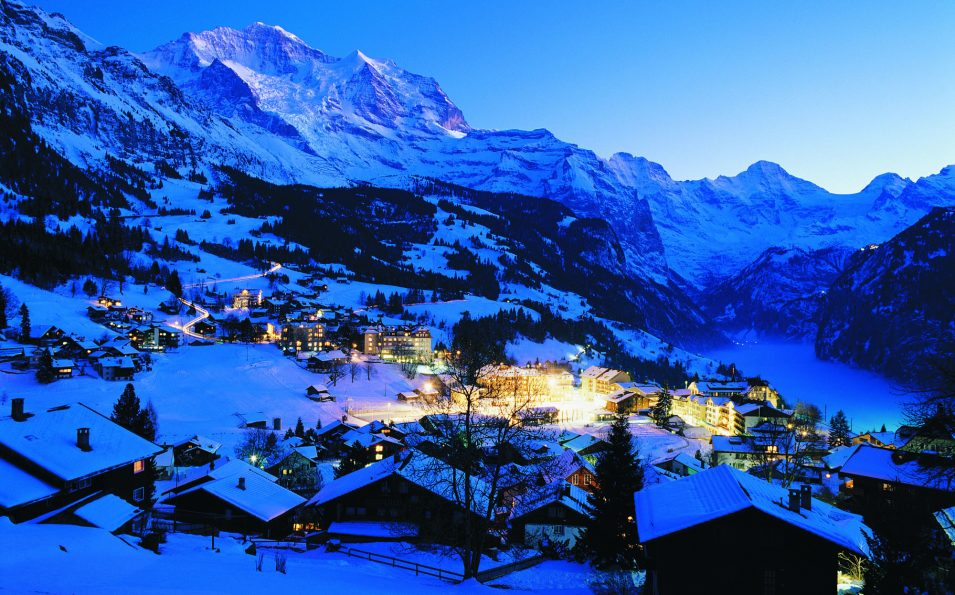 http://www.toursaltitude.com/wp-content/uploads/2014/07/wengen_winter_001_by_jungfrau_railways_print-955x595.jpg