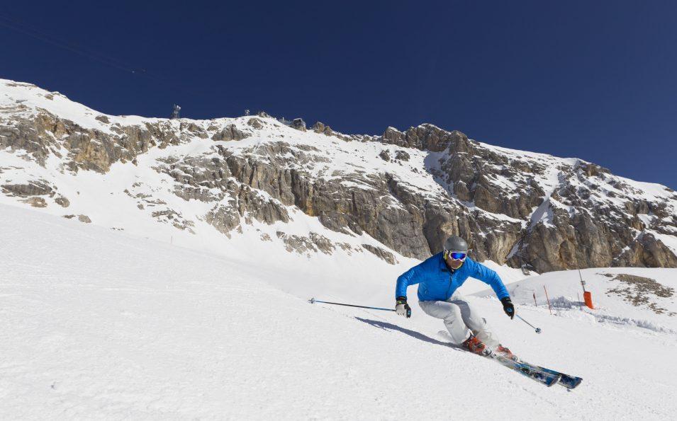 http://www.toursaltitude.com/wp-content/uploads/2014/07/zugspitze_ski_31_farys-955x595.jpg