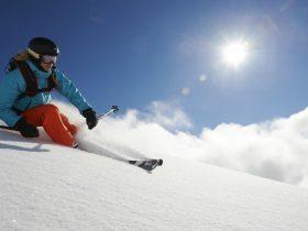 http://www.toursaltitude.com/wp-content/uploads/2014/08/Freeride-Fille-Davos-Stefan-Schlumpf-280x210.jpg
