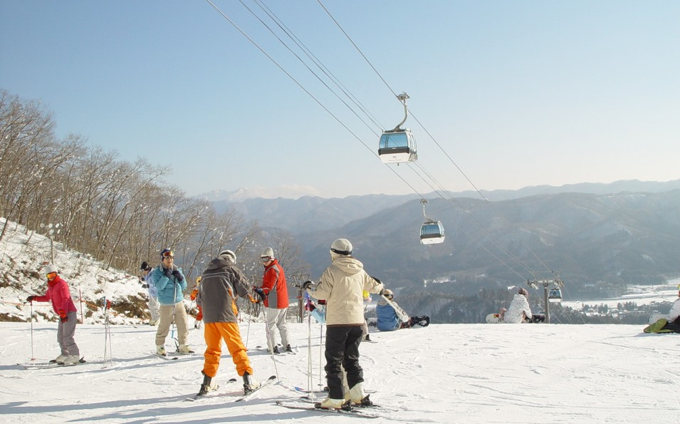http://www.toursaltitude.com/wp-content/uploads/2014/08/Hakuba-3-955x595.jpg
