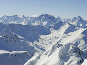 http://www.toursaltitude.com/wp-content/uploads/2014/08/Skitour-Stefan-Schlumpf-280x210.jpg