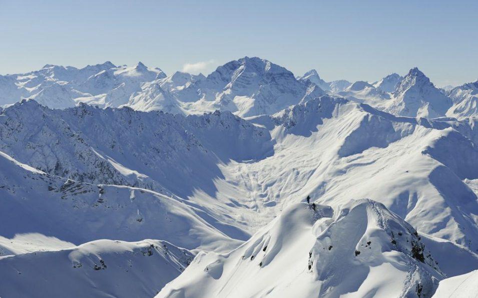 http://www.toursaltitude.com/wp-content/uploads/2014/08/Skitour-Stefan-Schlumpf-955x595.jpg