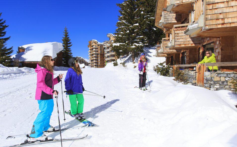 http://www.toursaltitude.com/wp-content/uploads/2014/08/avo-ski-au-pied2-955x595.jpg