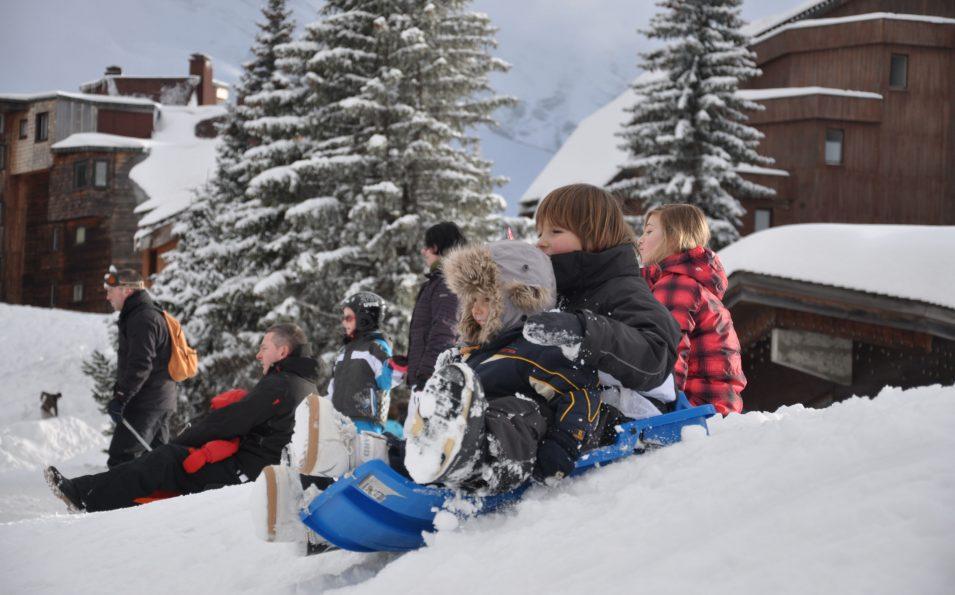 http://www.toursaltitude.com/wp-content/uploads/2014/08/avo-ski-au-pied3-955x595.jpg