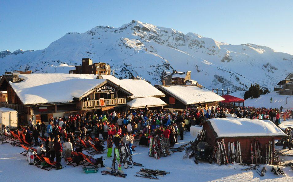 http://www.toursaltitude.com/wp-content/uploads/2014/08/avoriaz-apres-ski-955x595.jpg