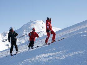 http://www.toursaltitude.com/wp-content/uploads/2014/08/avoriaz-ski-280x210.jpg