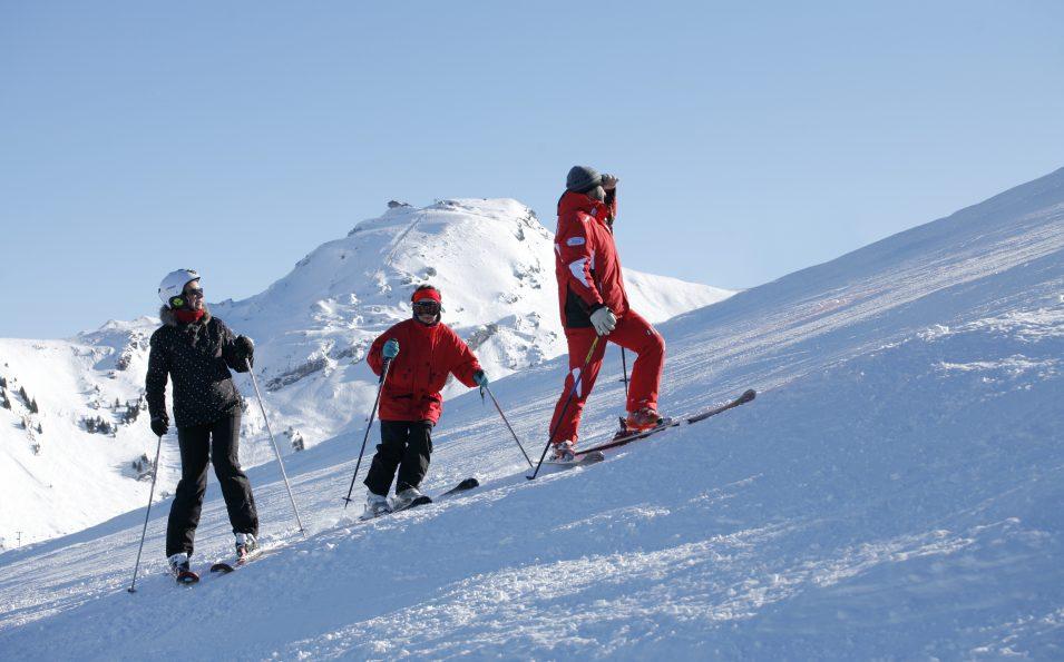 http://www.toursaltitude.com/wp-content/uploads/2014/08/avoriaz-ski-955x595.jpg