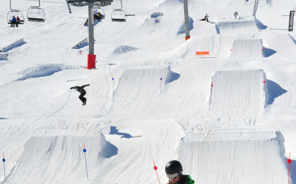 http://www.toursaltitude.com/wp-content/uploads/2014/08/avoriaz-snow-955x595.jpg