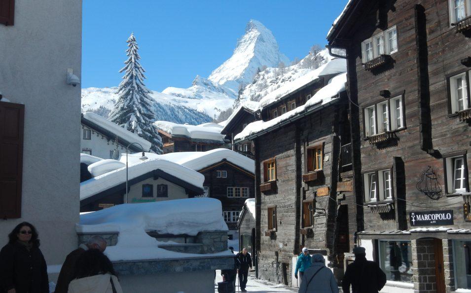 http://www.toursaltitude.com/wp-content/uploads/2014/09/Vieux-Village-de-Zermatt-9-955x595.jpg