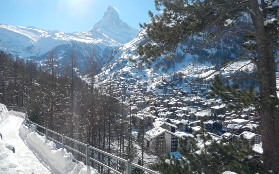 http://www.toursaltitude.com/wp-content/uploads/2014/09/Zermatt-10-955x595.jpg