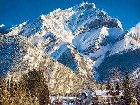 http://www.toursaltitude.com/wp-content/uploads/2015/12/Destination_Signature_Banff_Avenue_Winter_Paul_Zizka_13_Vertical-2048x2115-280x210.jpg