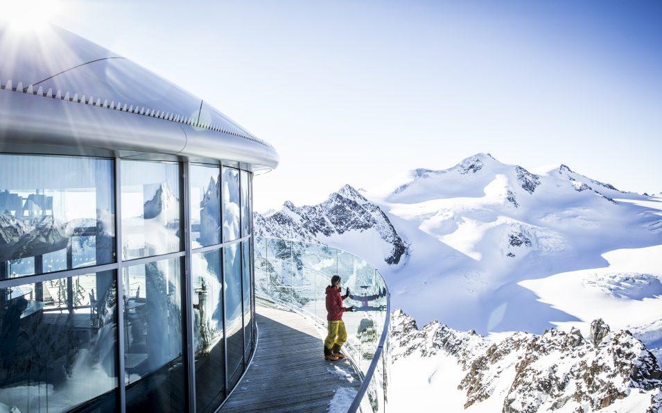 http://www.toursaltitude.com/wp-content/uploads/2017/08/Café-3.440-mit-Wildspitze_Pitztaler-Gletscher_Daniel-Zangerl-955x595.jpg