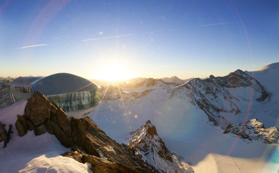 http://www.toursaltitude.com/wp-content/uploads/2017/08/Sonnenaufgang-Café-3.440_Pitztaler-Gletscher_Alexander-Haiden-955x595.jpg
