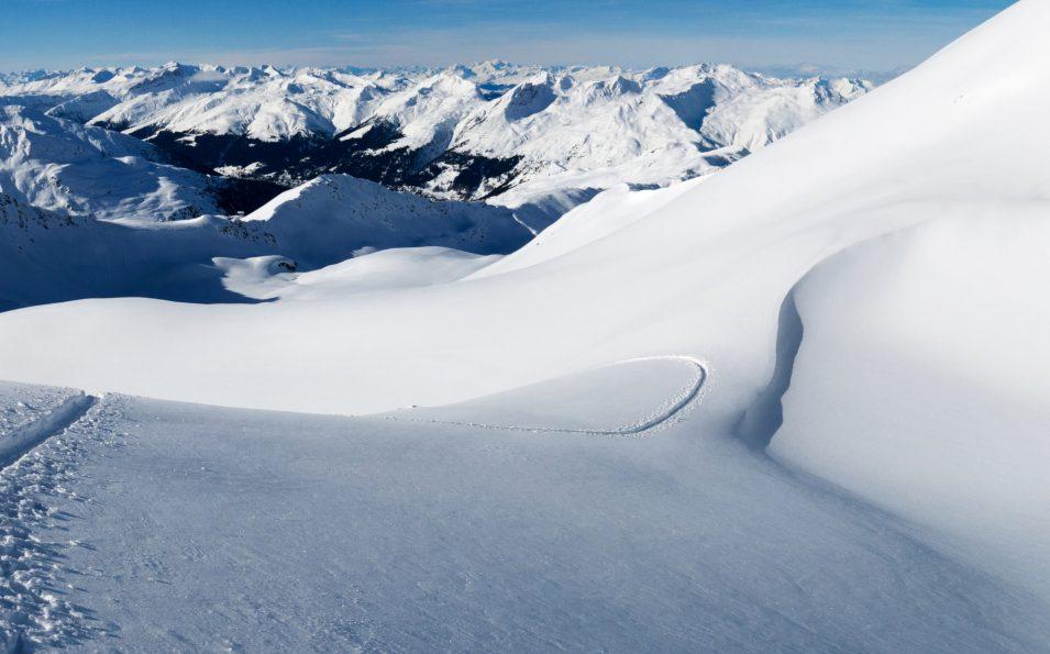http://www.toursaltitude.com/wp-content/uploads/2018/04/Pischa_PischaHorn_Panorama_Winter-1-955x595.jpg