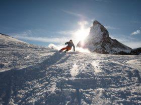 http://www.toursaltitude.com/wp-content/uploads/2018/04/Skifahren-bei-Sonnenuntergang_cr-Pascal_Gertschen-280x210.jpg