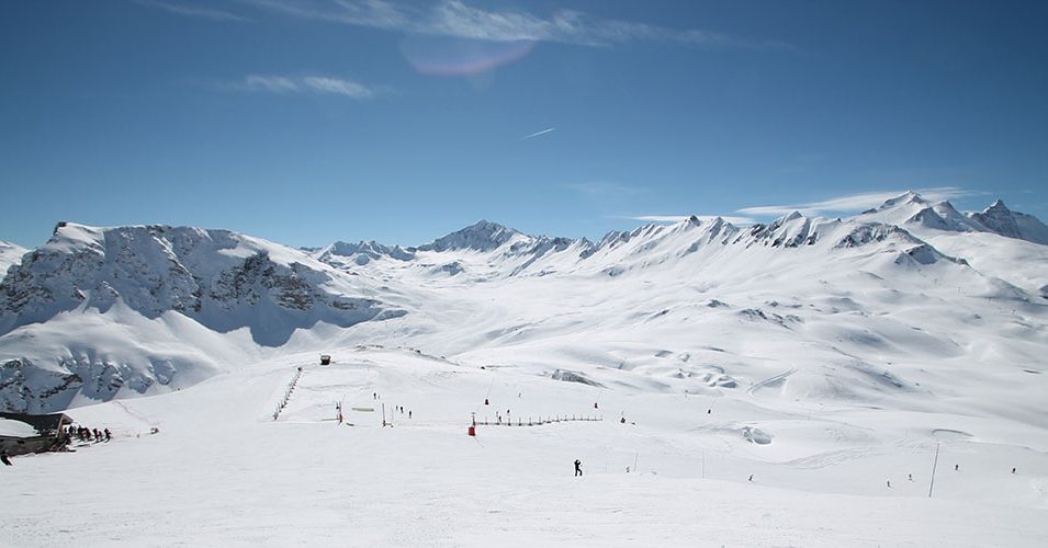 http://www.toursaltitude.com/wp-content/uploads/2018/04/tignes-val-isere-955x500.jpg
