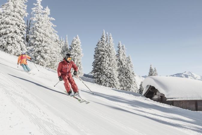 http://www.toursaltitude.com/wp-content/uploads/2018/05/Horneggli_Skifahren-3.jpg
