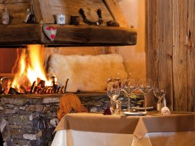 http://www.toursaltitude.com/wp-content/uploads/2018/05/Sherpa_cheminée_restaurant-280x210.jpg