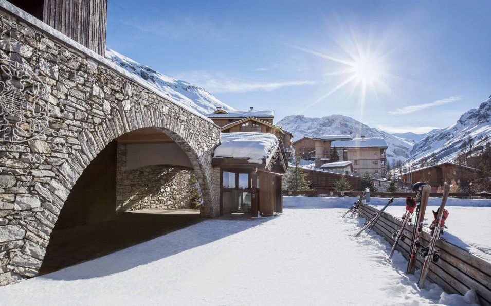 http://www.toursaltitude.com/wp-content/uploads/2019/03/https___ns.clubmed.com_dream_RESORTS_3T___4T_Alpes_Val_d_Isere_87913-au3idsfg4g-swhr-1-955x595.jpg