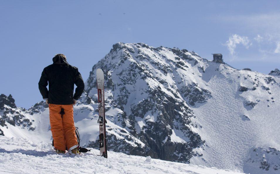 http://www.toursaltitude.com/wp-content/uploads/2020/03/Nendaz-Mont-Fort-ski-au-sommet-Photo-www.arolle.com1_-955x595.jpg